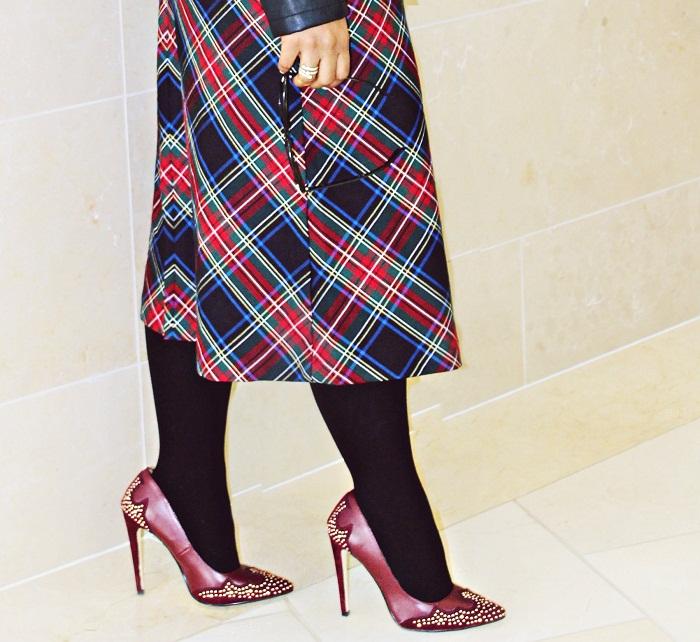 plaid skirt shoe dazzle maroon pumps - Let It Go