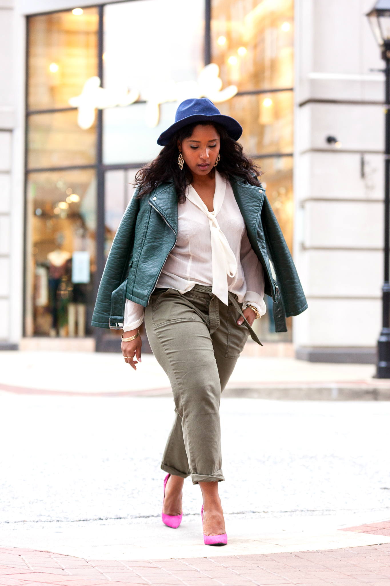 top dc fashion blogger commecoco.com  - How to Style Relaxed Utility pants