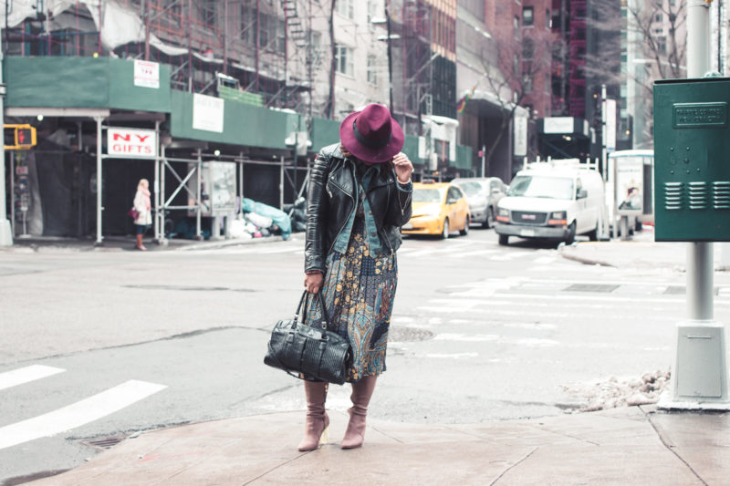 top dc blogger jennifer of comme coco at nyfw wearing printed dress layers winter style curvy 800x533 - NYFW Outfit #2