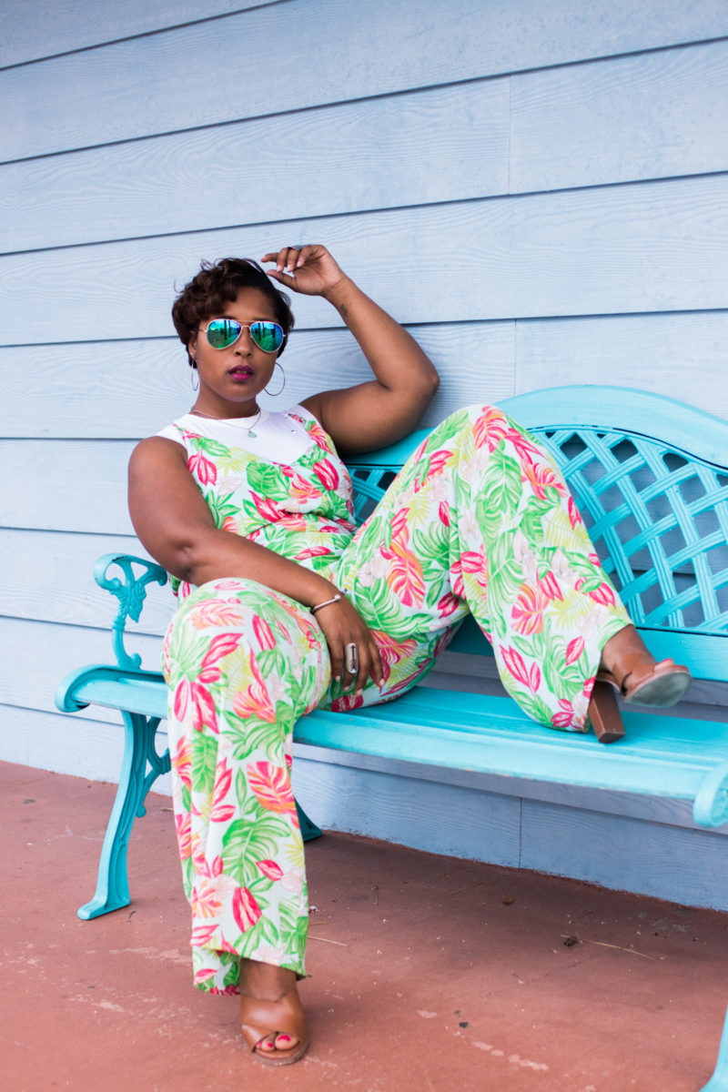 top dc blogger wearing a spring style layering distressed bodysuit island jumpsuit summer style-14
