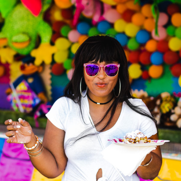 top dc blogger at the smile project carnival wearing shoedazzle skirt 21 600x600 - The Smile Project DC Carnival