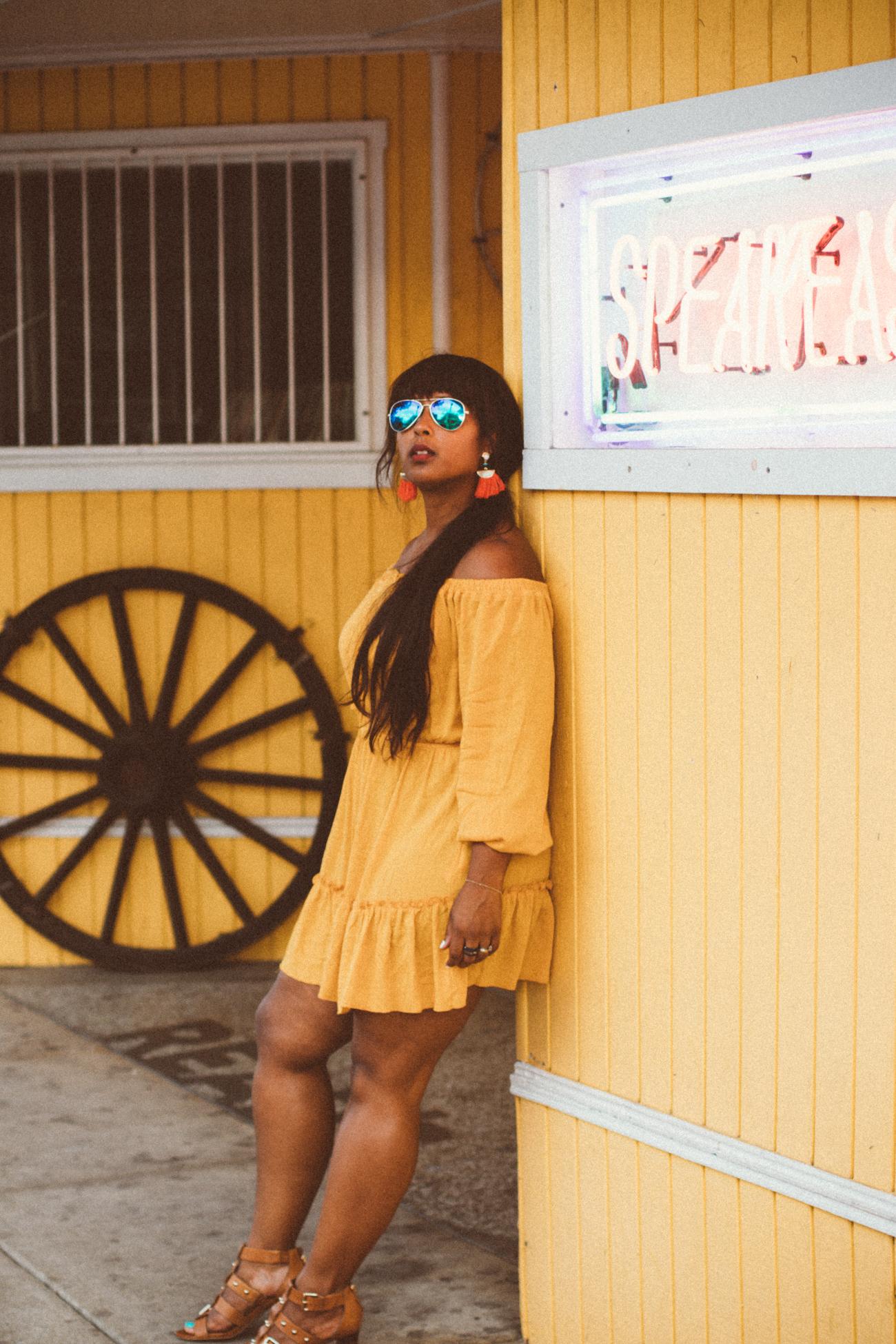 top dc blogger wearing summer dress