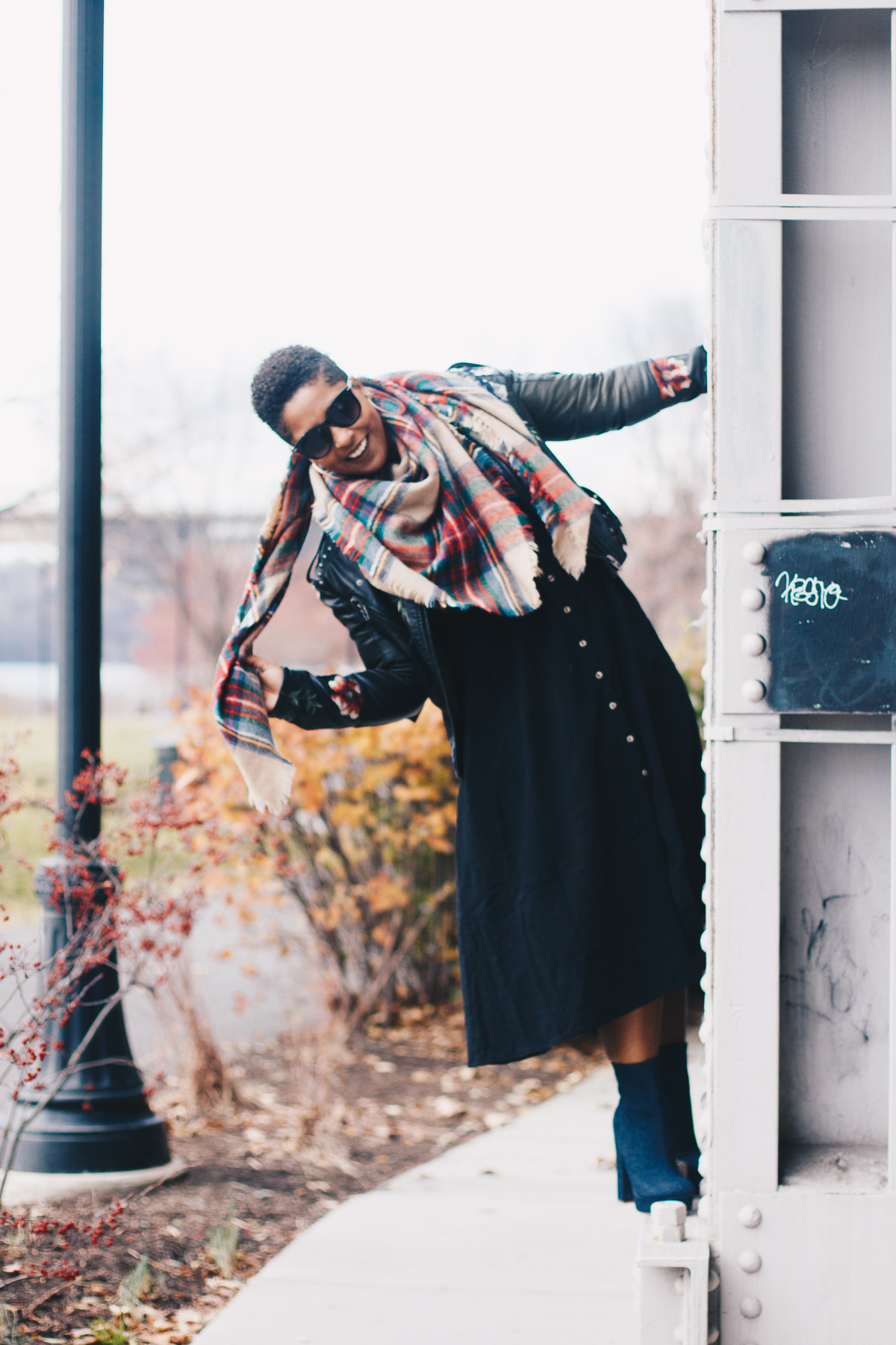top dc blogger in free people dress style 18 - My Love of Blanket Scarves